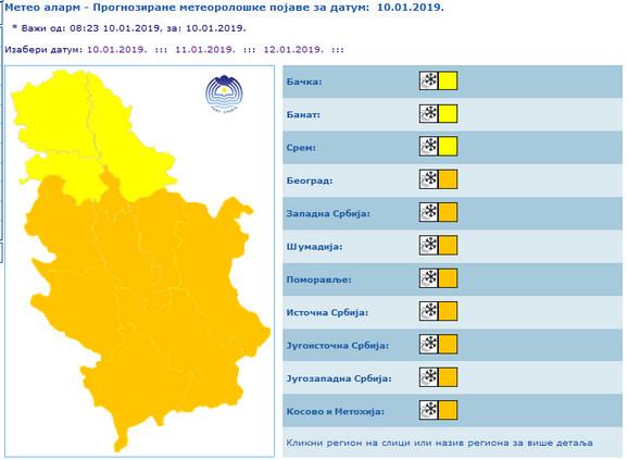 Sneg u većem delu Srbije: Hiljade ljudi odsečeno, mnogi bez struje, spasioci u pripravnosti