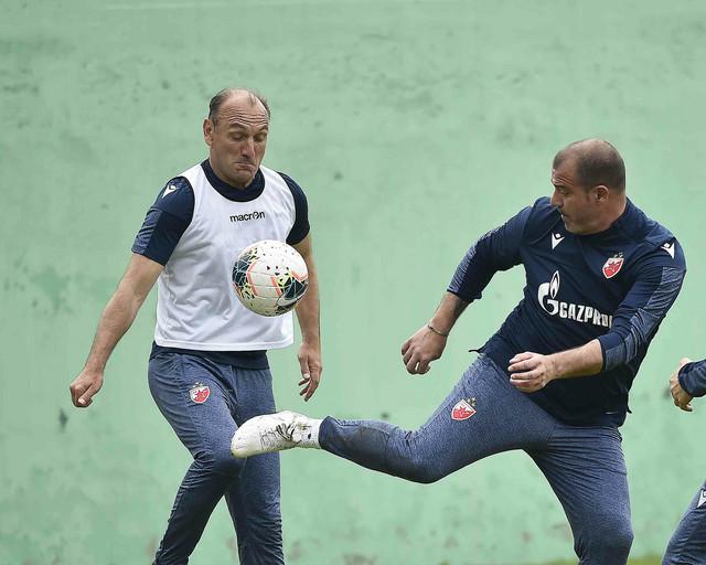 Dejan Stanković u akciji na treningu