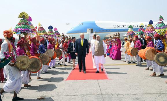 Donald i Melanija Tramp u Indiji