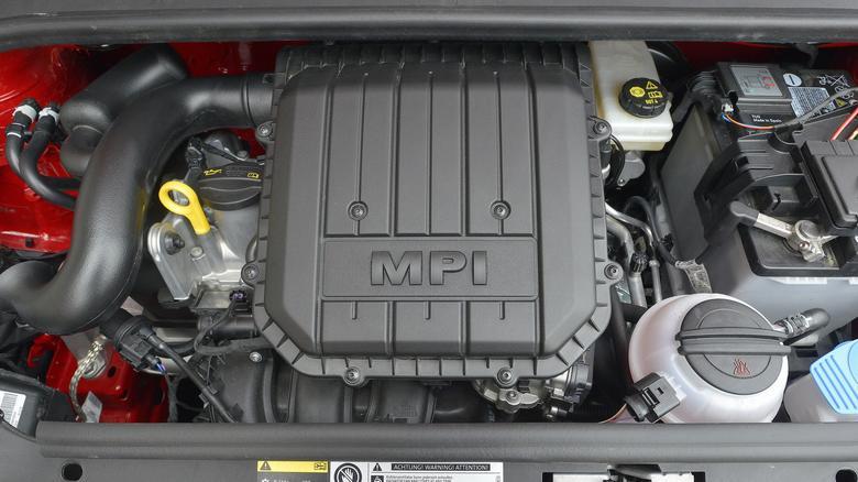 Litrowy silnik należy do nowej rodziny jednostek EA211. Są też (w innych modelach) wersje 1.2 i 1.4.