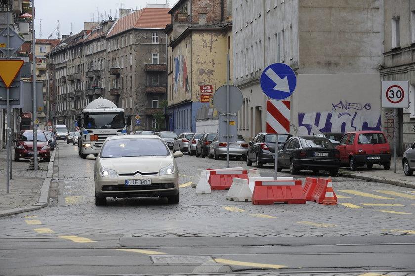Ul. Żeromskiego we Wrocławiu. To tędy poprowadzono objazd ul. Wyszyńskiego