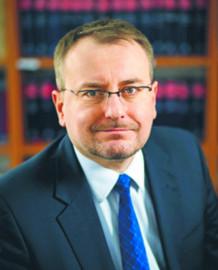 Prof. Bogumił Szmulik, kierownik Katedry Prawa Konstytucyjnego i Współczesnych Systemów Politycznych na Wydziale Prawa i Administracji UKSW