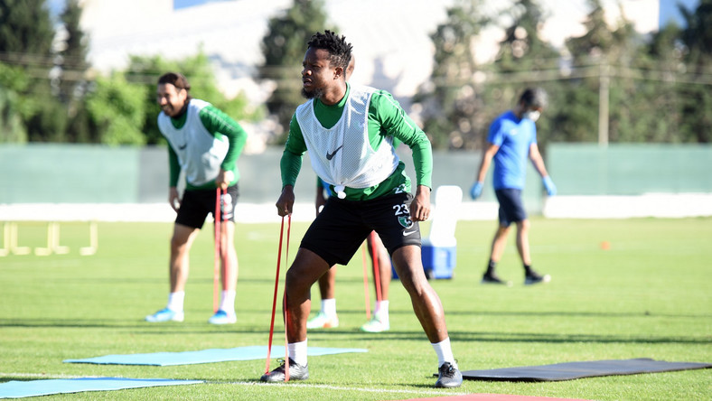 Ogenyi Onazi has been advised to stay off action for two to three weeks (Twitter/https://twitter.com/Denizlispor)