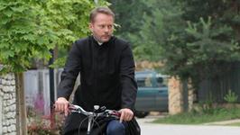 """Artur Żmijewski: dopóki ludzie mówią do mnie """"ojciec Mateusz"""", ale pamiętają, jak się nazywam, nie jest źle"""