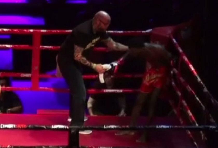 Dramat po amatorskiej walce kickbokserów w USA! Zawodnik zmarł po walce! Winni są sędzia i lekarz zawodów. Oto nagranie z tego pojedynku.