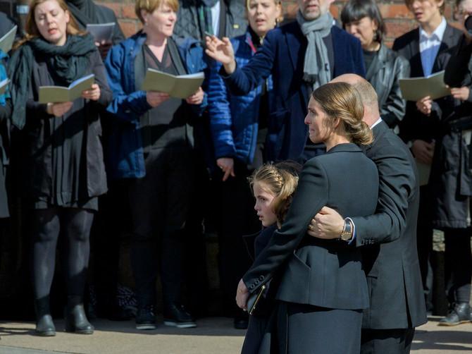 Posle tragičnog gubitka troje dece milijarder i njegova supruga se obratili javnosti: Poruka SLAMA SRCA