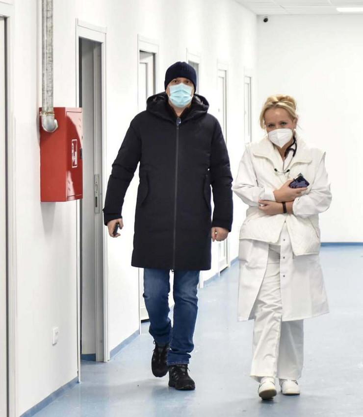 Lončar obišao večeras bolnicu u Batajnici