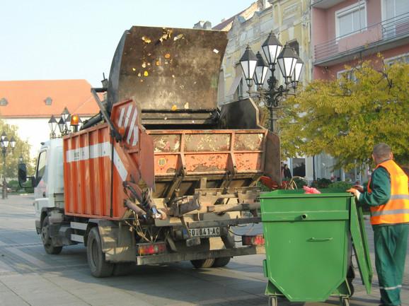 Odnošenje smeća