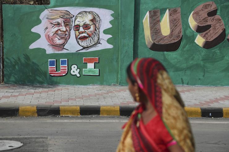Donald Tramp, zid, Indija