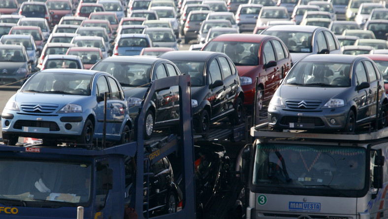 Francuski koncern motoryzacyjny będzie zwalniał pracowników
