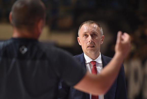 Milan Tomić, trener Zvezde, u završnici četvrtog meča finala