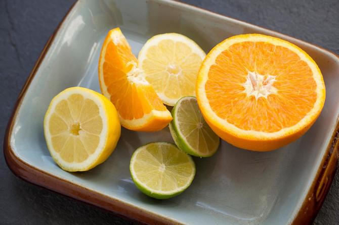 Može li vitamin C da nam pomogne u težim slučejvima Kovida-19?