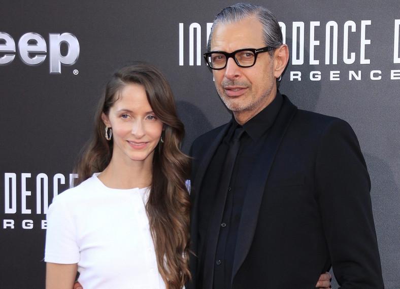 """Jeff Goldblum z żoną Emilie Livingston na premierze filmu """"Dzień niepodległości: Odrodzenie"""""""