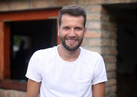 Vlada Savić pretio uredniku emisije da bi ga bacio lavovima a sve zbog PESME!