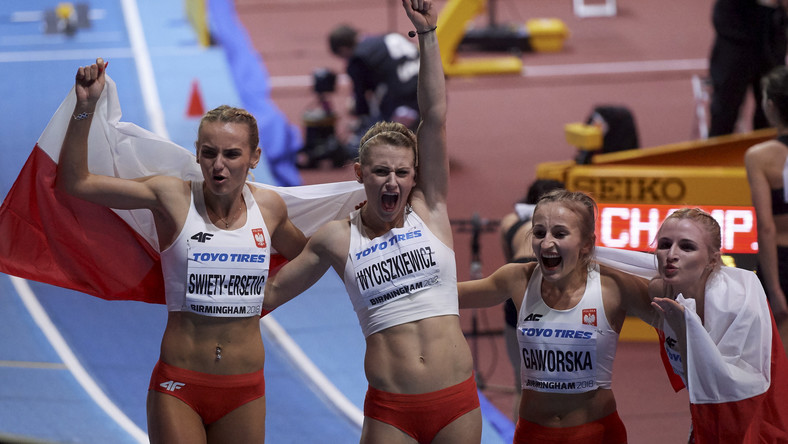 Polki biegły w składzie: Justyna Święty-Ersetic (AZS AWF Katowice), Patrycja Wyciszkiewicz (OŚ AZS Poznań), Aleksandra Gaworska (AZS AWF Kraków) i Małgorzata Hołub-Kowalik (KL Bałtyk Koszalin).