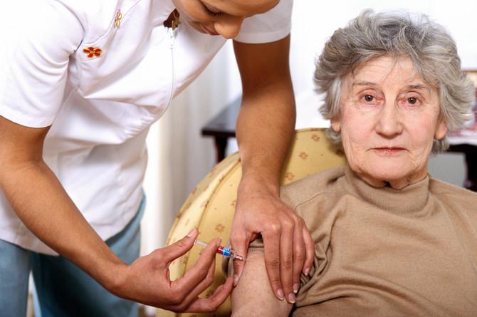 Vakcinu treba da prime svi stariji hronični bolesnici