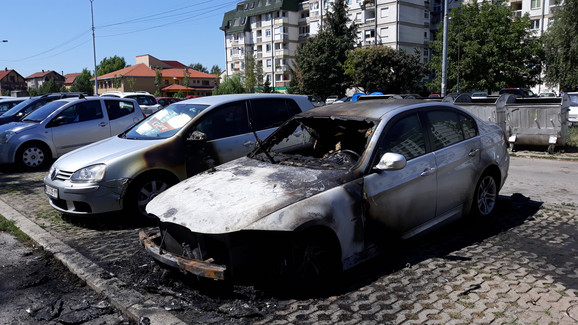 Zapaljen auto u Nišu