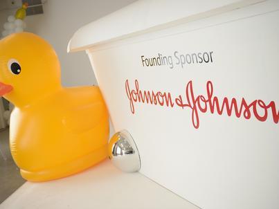 Johnson & Johson odnotowało stratę w dużej mierze przez ostatnią reformę podatkową w USA