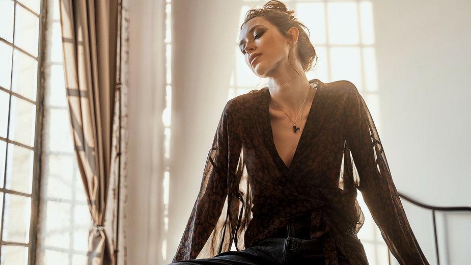 Model ubrania z kolekcji Agaty Wilkin