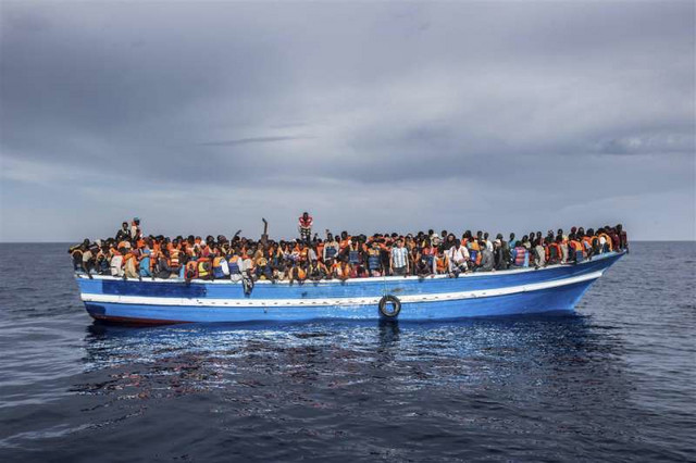 1.443 osobe nastradale su na čamčićima poput ovih samo u poslednjih godinu dana u potrazi za boljim životom