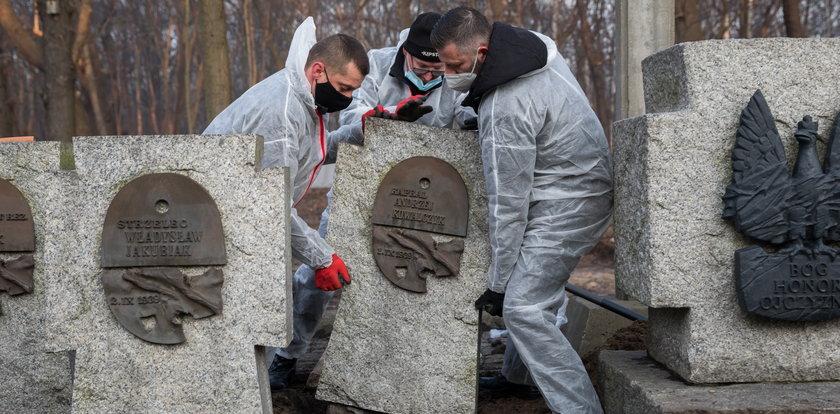 Szok na Westerplatte! W trumnie bohatera był niemiecki żołnierz