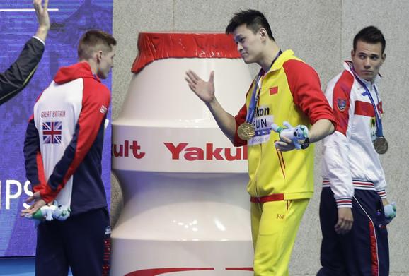 Dankan Skot odbija da pruži ruku Sunu Jangu