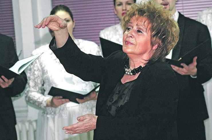 Za 45 godina karijere dirigovala na više od 10.000 koncerata