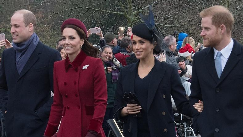 Książęta Cambridge - Kate i William oraz książęta Sussex - Meghan i Harry