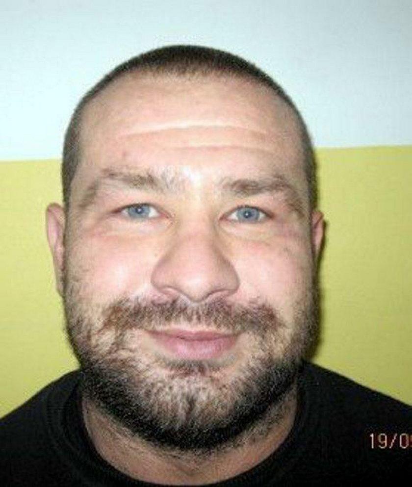 Poszukiwany 39 letni Paweł Barwik