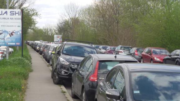 Parkiranje na starom Obrenovačkom putu