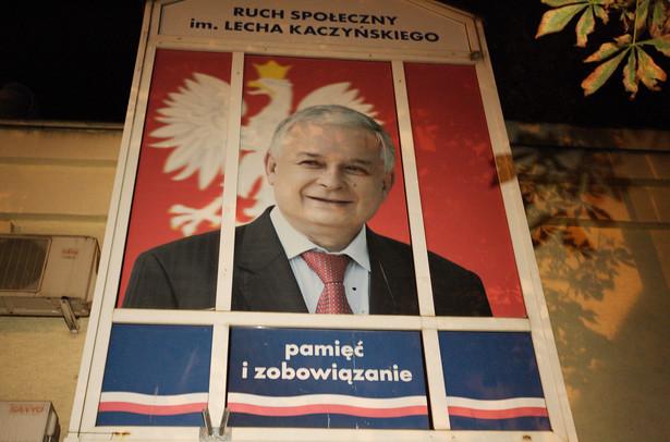 Zdjęcie Lecha kaczyńskiego w biurze poselskim Andrzeja Jaworskiego