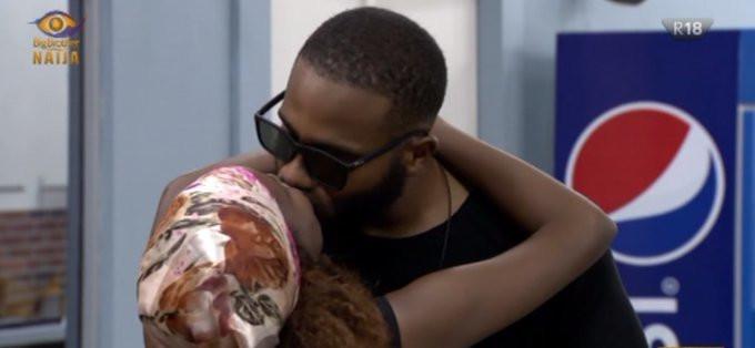 Kiddwaya and Wathoni share a kiss [Twitter/@bbnaija]