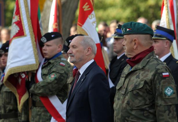 Antoni Macierewicz na uroczystościach w Ostrołęce