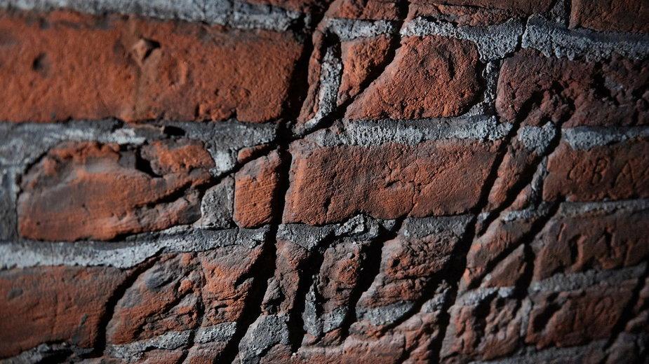 Gdańsk: w Wielkim Młynie odkryto napisy robotników z XVIII-XIX wieku