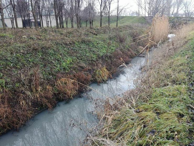 Zagađen pomoćni kanal u Vrbasu