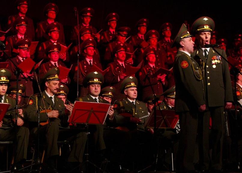 Corul Armatei Roșii (foto: facebook.com/Alexandrov-Ensemble-RED-ARMY-Choir-Romania-387237841646074)