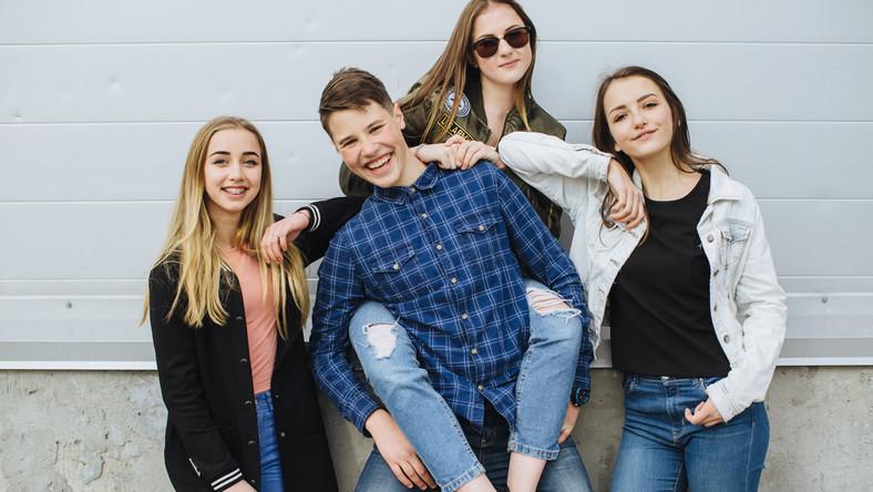 młodzież, nastolatowie