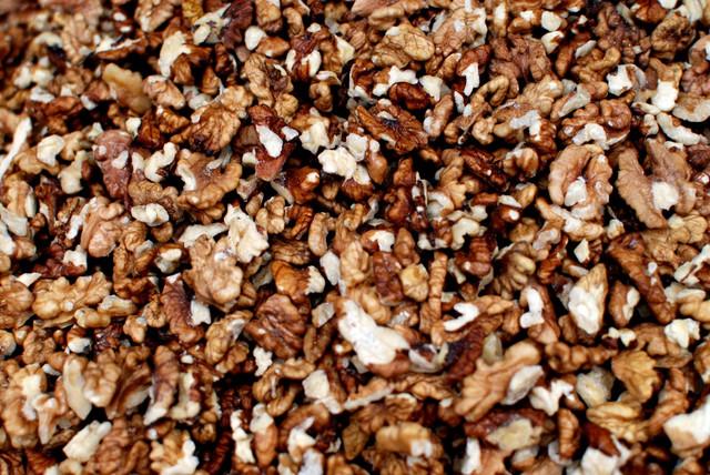 Kilogram oraha košta oko 1.000 dinara