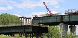 Drogowcy obniżyli most po stronie praskiej