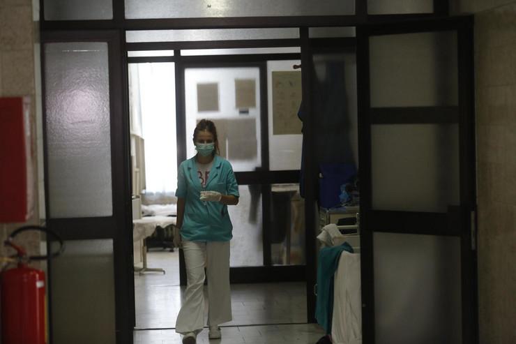 infektivna klinika_300818_AFP_OB (15)_preview