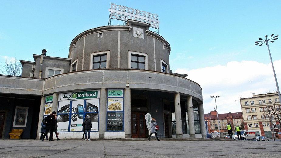 Zabytkowy budynek Dworca Podmiejskiego w Gdyni zostanie wyremontowany