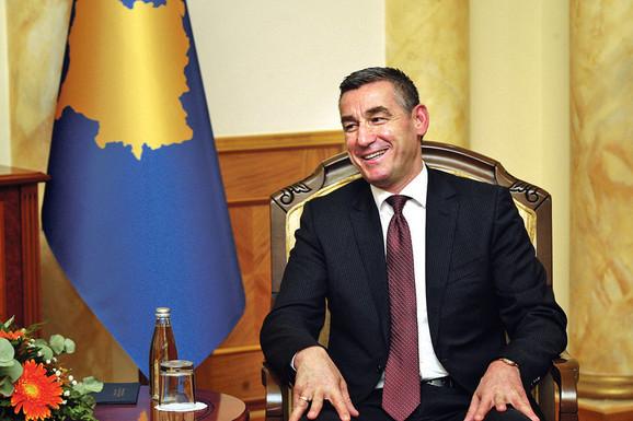 Kadri Veselji je posle ostavke Tačija preuzeo DPK i uz Mustafin DSK vodi u anketama.