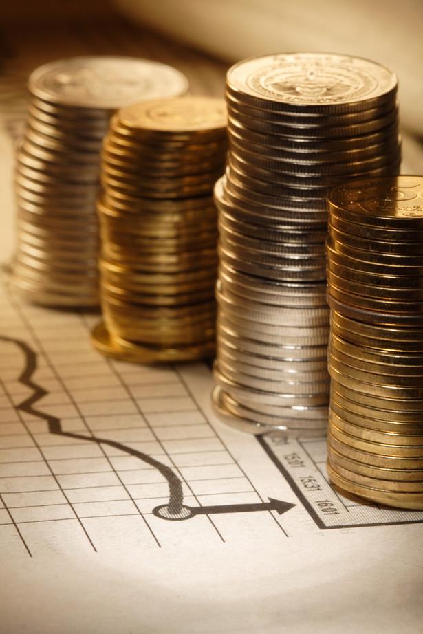 Aktywa osób prywatnych przekraczały 1,22 bln zł w końcu III kwartału 2011 r., a ich zobowiązania 554 mld zł, podał Narodowy Bank Polski.