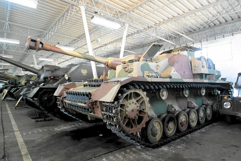 Muzeum Broni Pancernej na Ławicy?