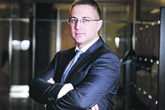SASTANAK U SEDIŠTU SNS Stefanović ponudio ostavku; Vučić: Nebojša će otići kada i ja