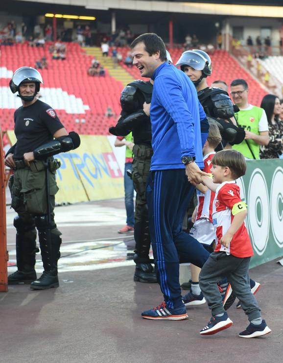 Nenad Lalatović sa sinovima - zvezdašima