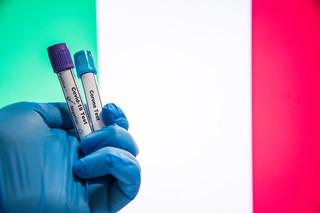 Włochy: Ponad 86 procent zakażeń to brytyjski wariant koronawirusa