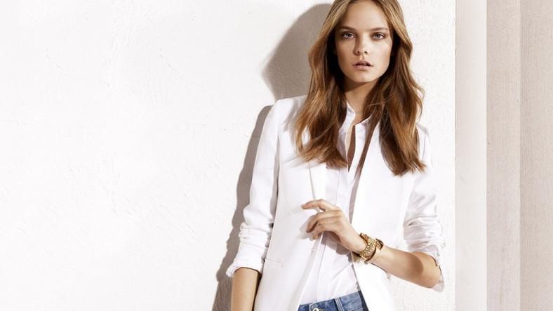 Te stylizacje to najmodniejsze wydanie ubraniowego minimalizmu