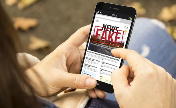 Rozsądna walka z fake newsami to także zadanie dla tradycyjnych mediów