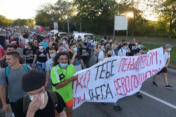 Protestna šetnja novosadskim ulicama